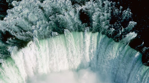 Aerial View of Horseshoe Falls at Niagara Falls, Ontario.jpg