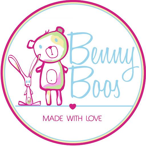 Suzanne Curtin (Benny Boos)