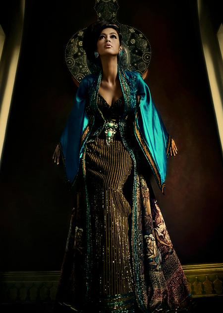 Kebaya Modifikasi Anne Avantie Kombinasi Batik | Annie Gallery|Busana ...