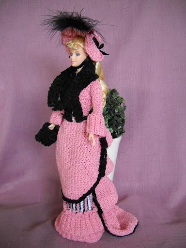 فساتين للعروسة باربي الكروشية طريقة ملابس لعرائس الاطفال New%20Image.jpg