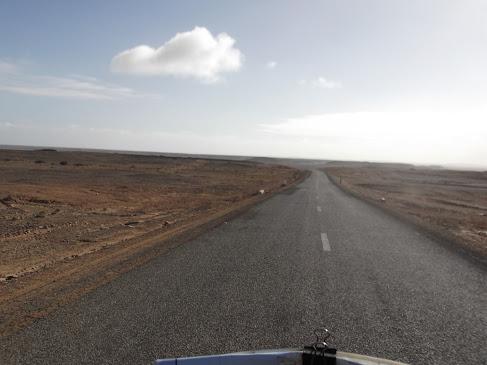 Marrocos e Mauritãnia a Queimar Pneu e Gasolina - Página 9 DSCF1045