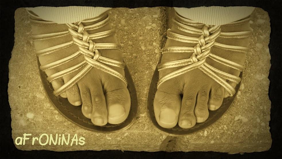 cuidado, pies, crema, piedra pómez, zapatos, zapatillas