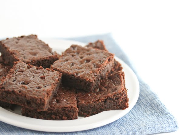 Healthier 3 Ingredient Chocolate Cake
