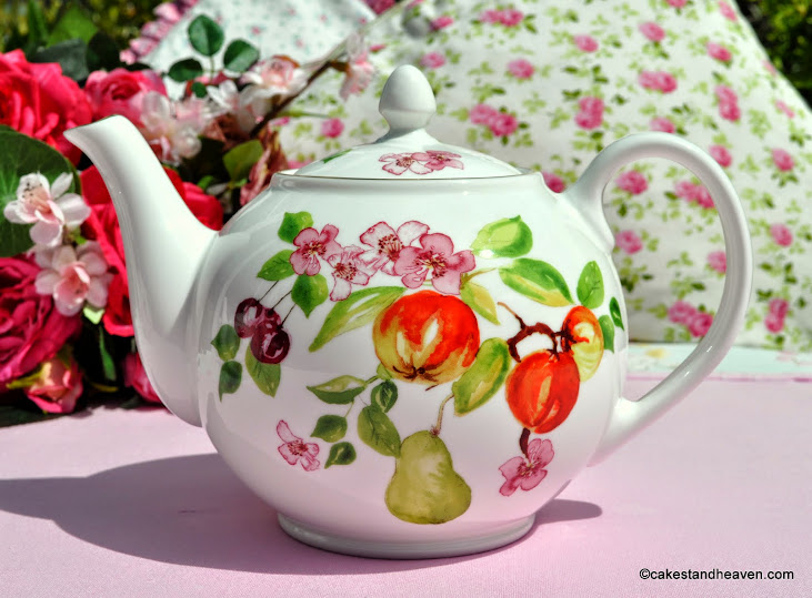 Aynsley Eden Pattern 2 Pint Teapot