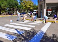 Los cooperativistas de Cañuelas, realizaron tareas de pintura y demarcación de cordones y cruces peatonales