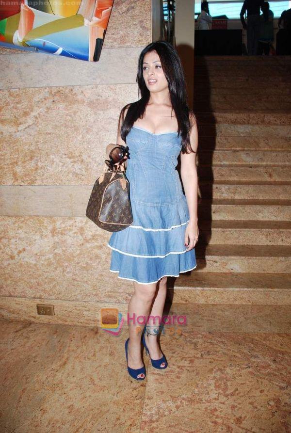 ACTRESS GALLERY 2011: Anjana Suhani hot photo gallery