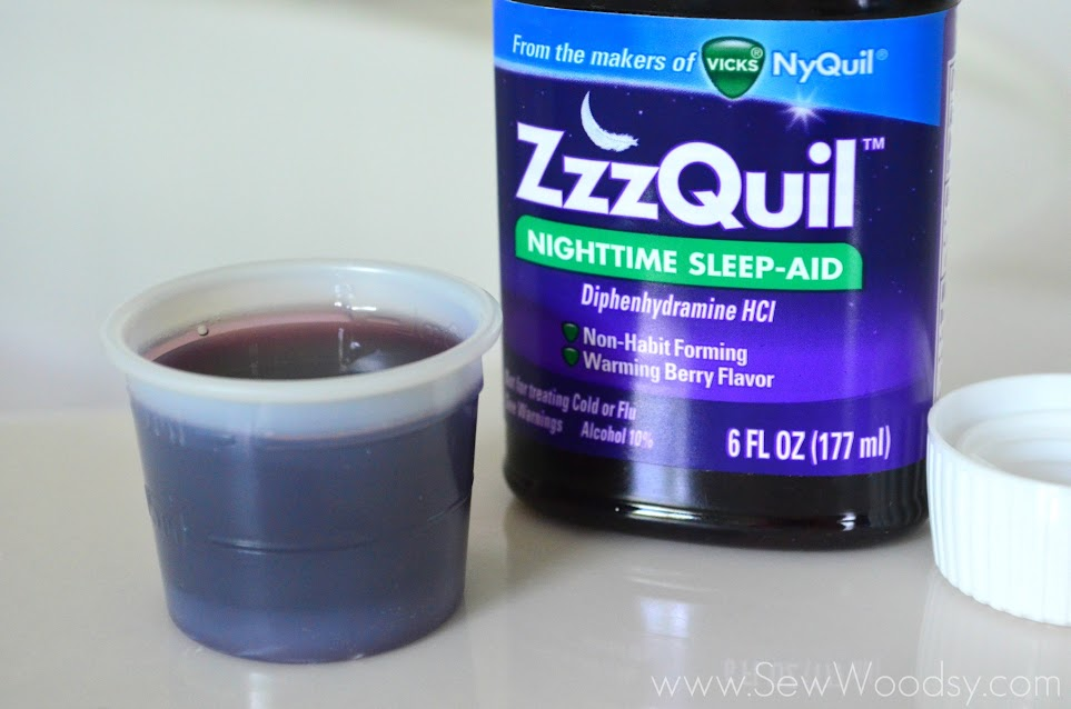 ZzzQuil Nighttime Sleep-Aid Review via SewWoodsy.com #ZzzQuilNight