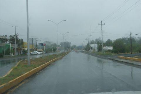 Lluvia en la Carretera Nacional por la llegada del frente frío número cinco