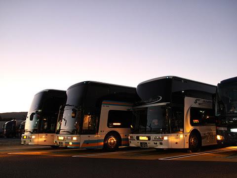 JR四国バス「ドリーム高松号」 694-5950 足柄SAにて