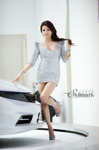 SMS 2011: Han Ga Eun – Silver Dress (part 3):asian,dress for girls0