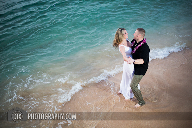 Hawaii wedding photography trash the dress