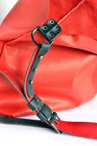 """Кожаный мешок ручной работы с карманами № 008 """"красное на чёрном"""""""