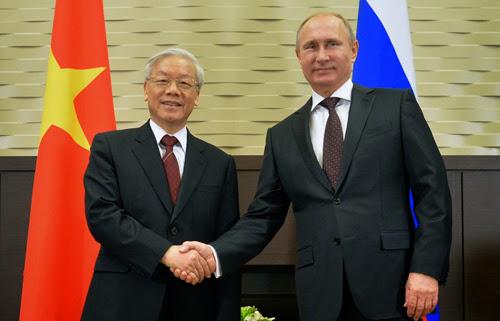 Tổng bí thư Nguyễn Phú Trọng gặp gỡ Tổng thống Nga Putin hôm qua. Ảnh: EPA