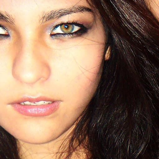 Fernanda Carrillo Photo 15