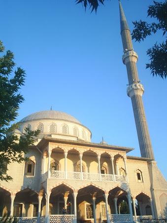 Güzelce Merkez Camii