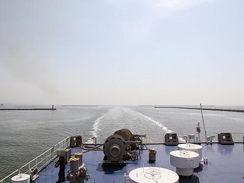 太平洋フェリー「いしかり」 間もなく仙台港へ入港