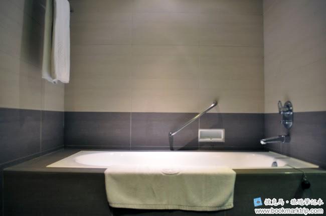 墾丁福華渡假飯店泡澡用浴缸