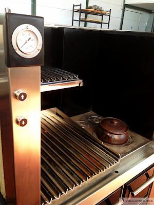 """Parrilla horno de asar """"La Abuela"""" Grill - Charcoal oven """"Grandmader"""" www.vulcanogres.com oscar@vulcanogres.com Tel. +34 651 039 750"""