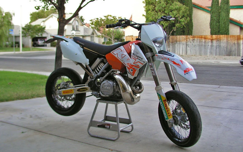 my cali plated 93 ktm 300 exc upgraded to 05 body plastics. Black Bedroom Furniture Sets. Home Design Ideas
