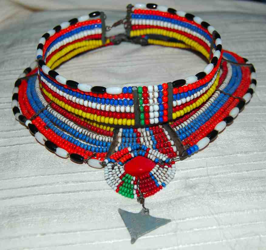 collier perle massai