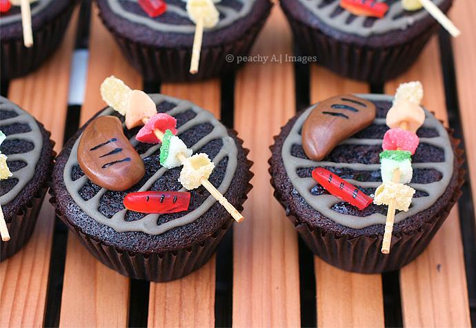Barbecue Grill Cupcakes | www.thepeachkitchen.com