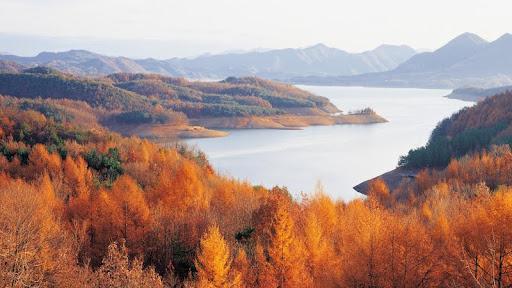 Chungjuho Lake, Chungbuk, Korea.jpg