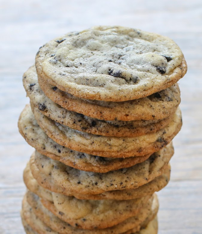 photo of a tall stack of cookies and cream cookies