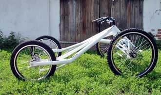 cart 4 roues TRACZER vue de profil