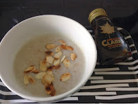 Maple syrup with porridge
