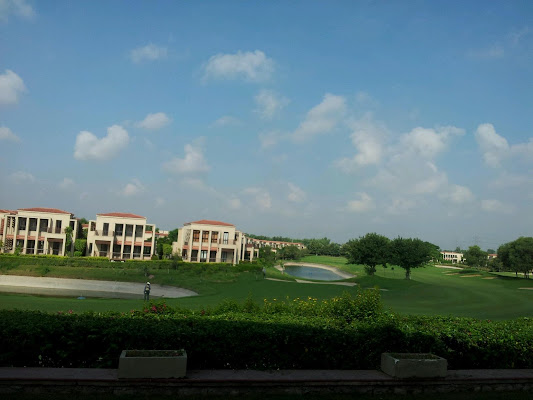 Tarudhan Valley Golf Resort