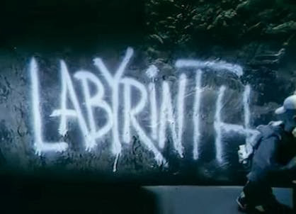 Labirintus (1999)