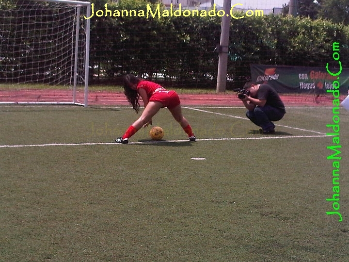 Johanna-maldonado-mejor-cola-del-valle-videos-fotos-album-en-la-jugada