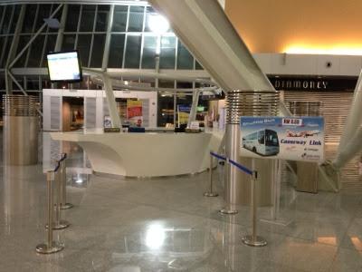 Senai airport shuttle bus counter