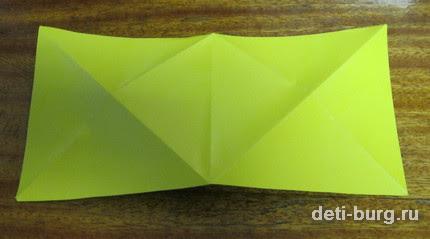 Сложите по диагонали каждый квадрат