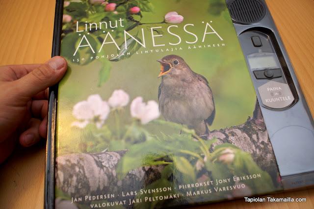 Linnut äänessä -kirjan kansi