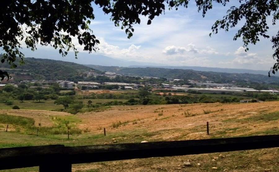 Lote en Girón, Barrio San Antonio de Carrizal - Santander Disponible para Construir