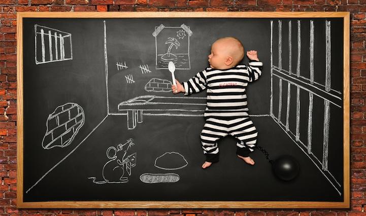 *嬰兒的奇幻黑板冒險:趁熟睡中惡搞一番! 9