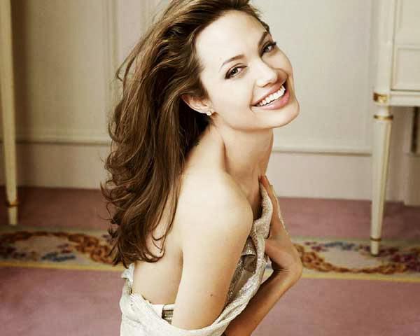 Angelina Jolie, guapa