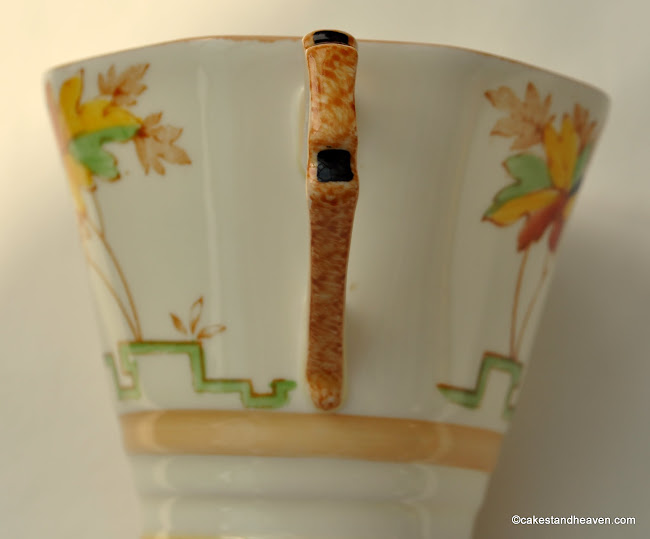 Tuscan Art Deco Teacup Handle Detail