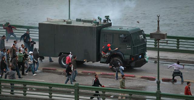Egyptian Revolution شريف الحكيم Egypt_protest_31