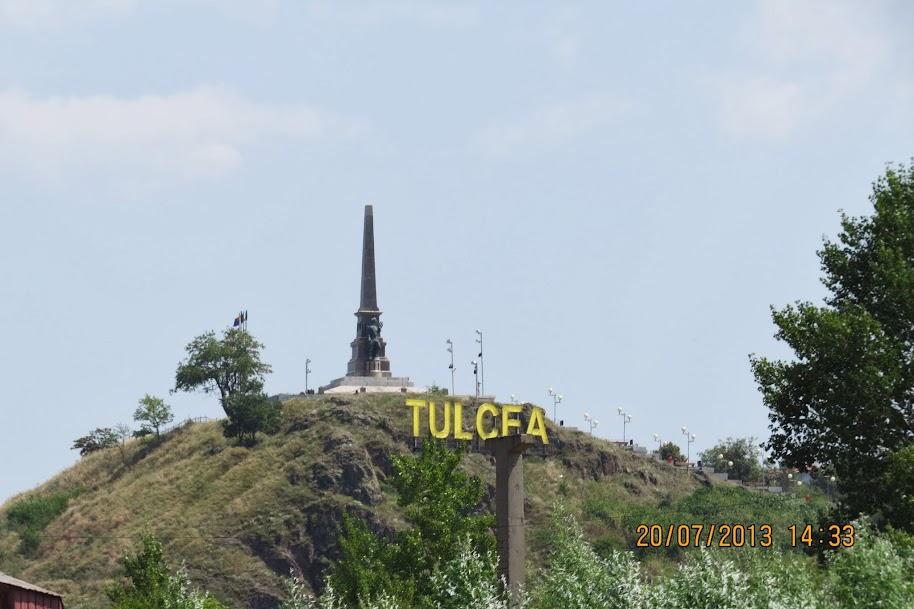 """20.07.2013 – Un episod inedit : """"Tzumtzi"""" Tura : Tulcea vazuta de pe Dunare"""