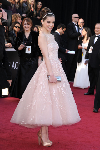 Of Course I Love The Look This 1950 S Inspired Dress By Marchesa Worn Hailee Steinfeld Many Fashion Commentators Suggested That Ballerina
