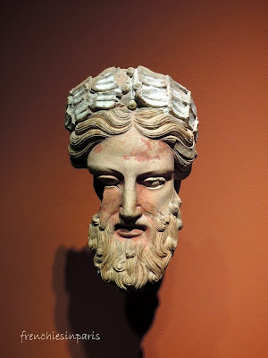 Tête d'homme couronné, Fin du Vè - début du IVè siècle av. J.-C. Orvieto, Musée archéologique