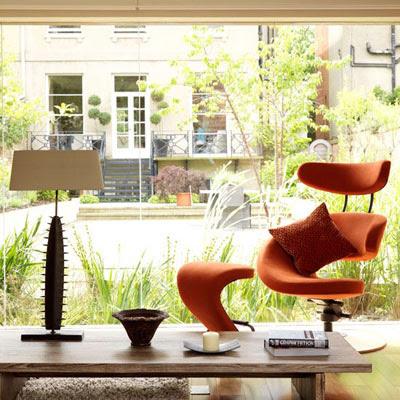 Sử dụng vật liệu kính, thủy tinh, pha lê trang trí nhà