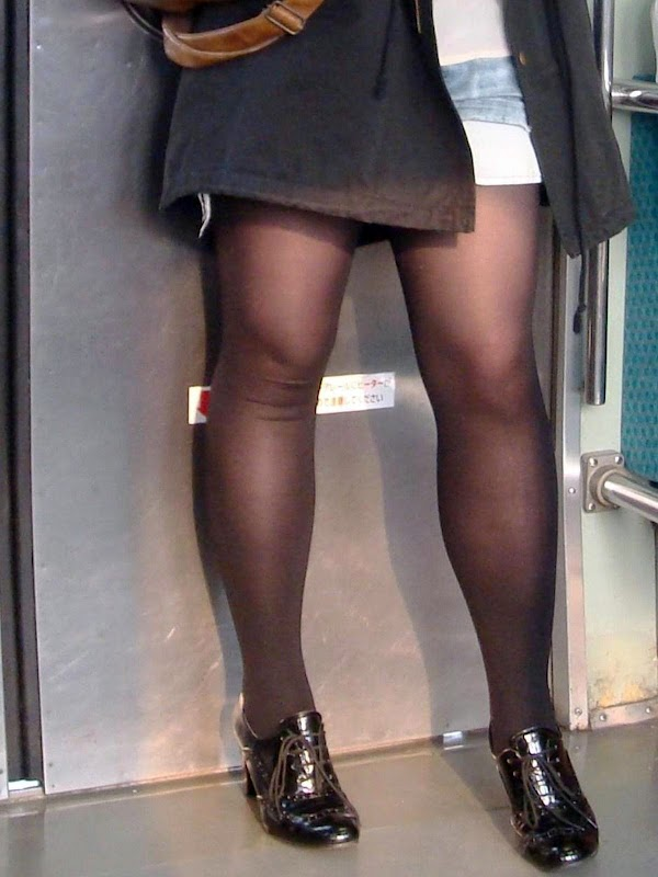 in the train [standing] vol.9 part 1(21pics):upskirt,picasa