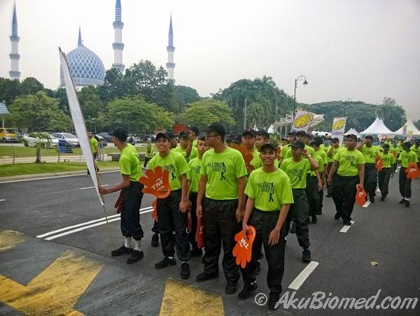 Berkumpul untuk memulakan berjalan