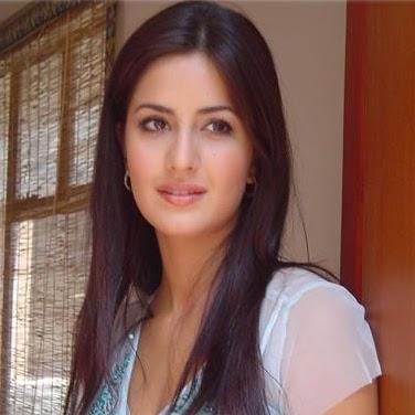 Reena Thakur Photo 18
