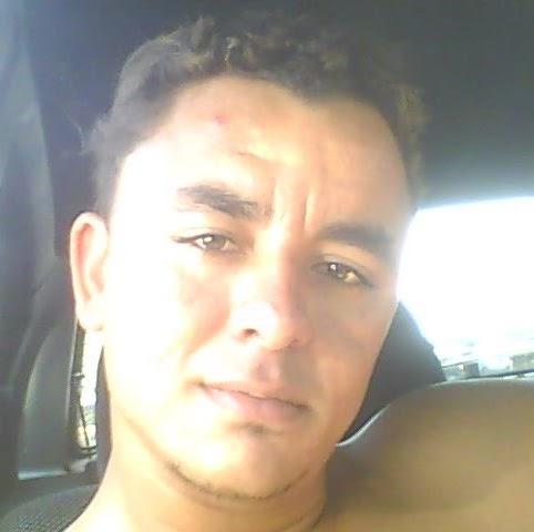 Fernando Valeriano Photo 12