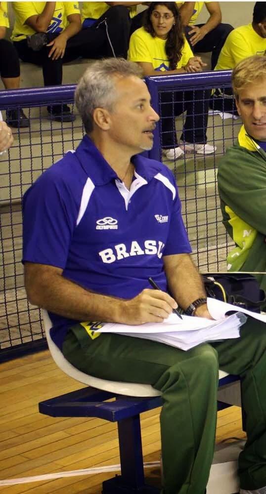 Natal: Técnico de seleções de base do Brasil ministra clínica de Voleibol