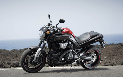 Yamaha%20MT01%20Images%20Desktop%20With%20Motorcycles.jpg